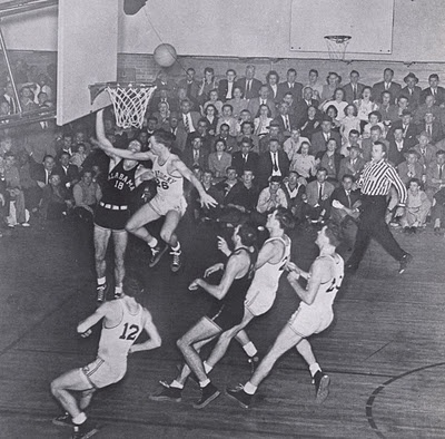 Alabama vs. Kentucky, 1946.  How about those courtside seats!?