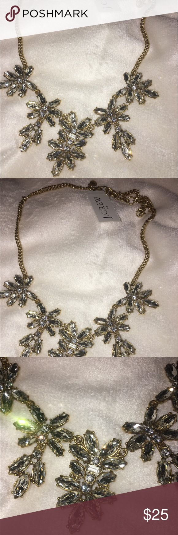 👸🏼J CREW NECKLACE 👸🏼 Gorgeous J Crew necklace with tags! I don't remember if I bought this at J Crew or J Crew Factory...but it is still super fabulous 😍 J. Crew Jewelry Necklaces