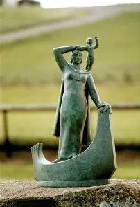 Snorri was the first European known to be born in America at the beginning of the 11th Century. His parents were Þorfinnur karlsefni Þórðarson and Guðríður Þorbjarnardóttir (Thorfinnur and Gudridur).  https://www.icelandicroots.com/single-post/2012/07/10/Snorri