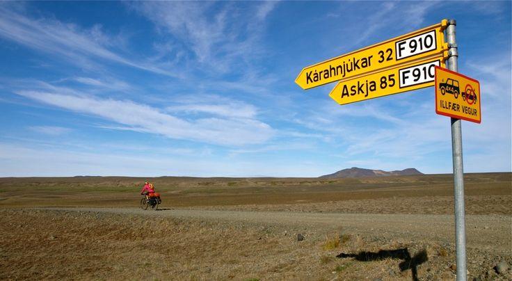 Con un par de ruedas / Adventure & Cycling - On our way to Askja, ICELAND