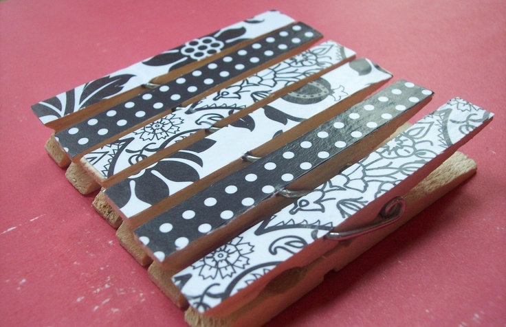 clothes pins: Crafts Ideas, Magnets Boards, Black And White, Black White, White Decor, Clothespins Sets, Wooden Clothespins, Minis Clothespins, White Clothespins