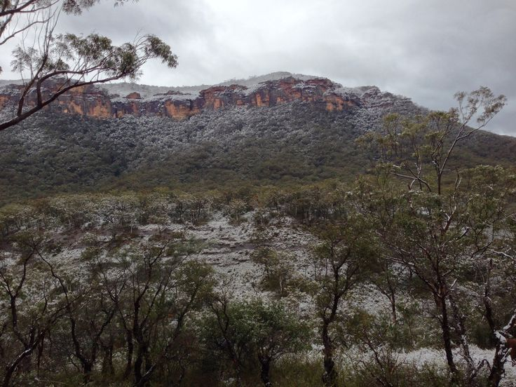 Megalong Valley Cliffs coated in snow