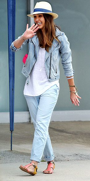 COLOR-BLOCK SANDALS photo | Jessica Alba