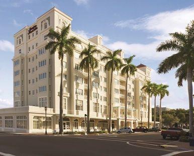 Hampton Inn & Suites Bradenton Downtown Historic District Hotel, FL - Historic District