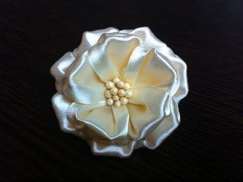 Украшение на резинку Канзаши/Объемный Кремовый цветок - YouTube