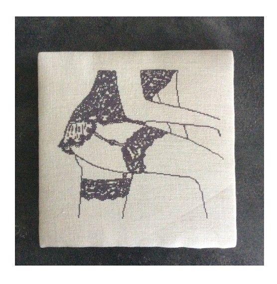 Jarretelles au point compté-Mes dessous chics-lingerie-cross stitch-Point de croix-punto de cruz-Embroidery