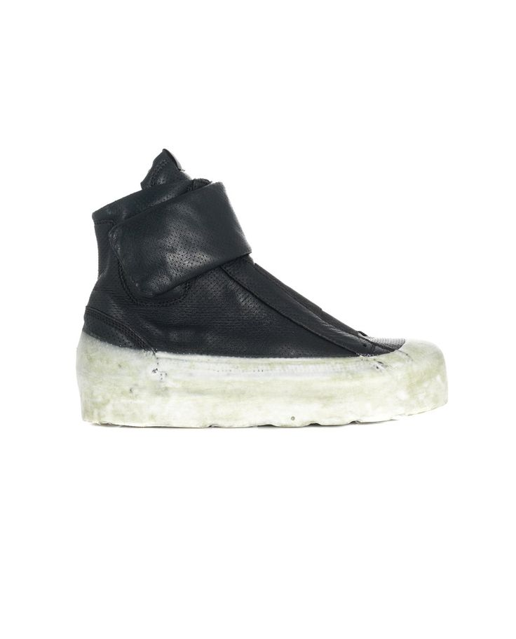 O.X.S. RUBBER SOUL WOMEN'S LEATHER SNEAKERS WITH VELCRO STRAP Black leather sneakers worn-out look round toe rubber sole inner zipper velcro strap closure
