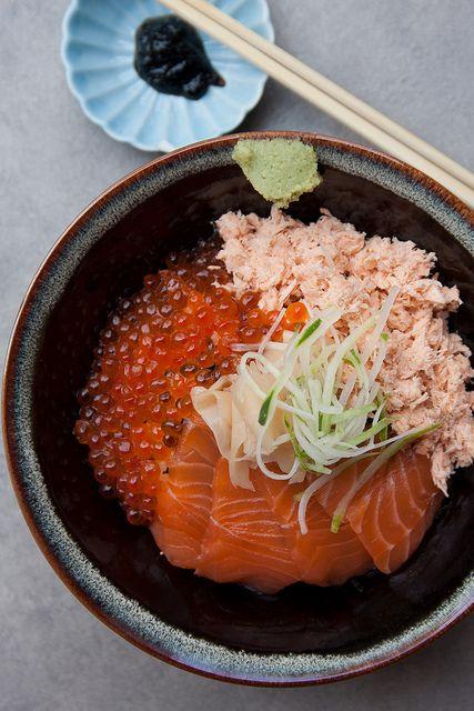 Japanese seafood rice bowl 海鮮丼