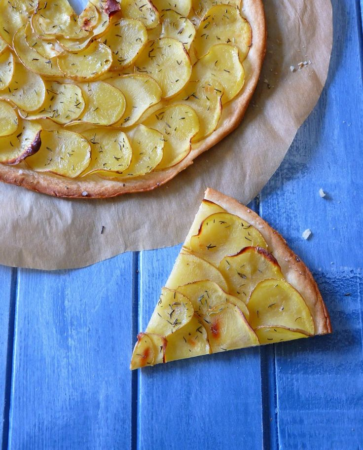 Tarte fine végétalienne aux pommes de terre et thym {VEGAN} #potatoes #thyme