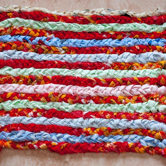 instructions for making a rug loom