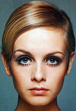 Lesley Lawson (née Hornby; born 19 September 1949), fashion vintage Model portrait 1960's Twiggy