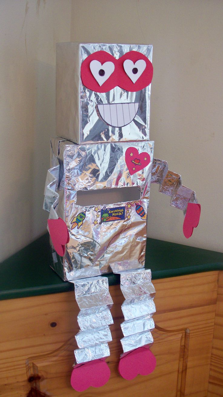 Robot Valentine day box! Cute I think if abs has to make a box for school we are gonna try this!