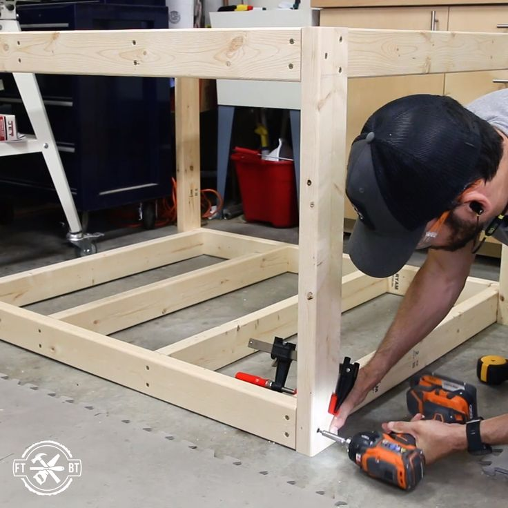 How to Build a DIY Workbench / Work Table from 2×4's
