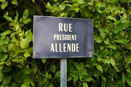 calle Salvador Allende. Treffiagat, Francia, Bretaña