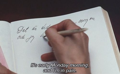 It's early Monday morning and I am in pain. Viskningar och rop (Ingmar Bergman, 1972)