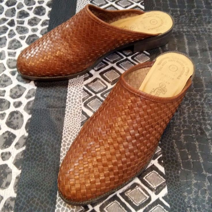 Leather Craft Womens Mules Clogs Slip On Brown Leather Basketweave Sz 8 Shoes  #LeatherCraft #Mules #Casual