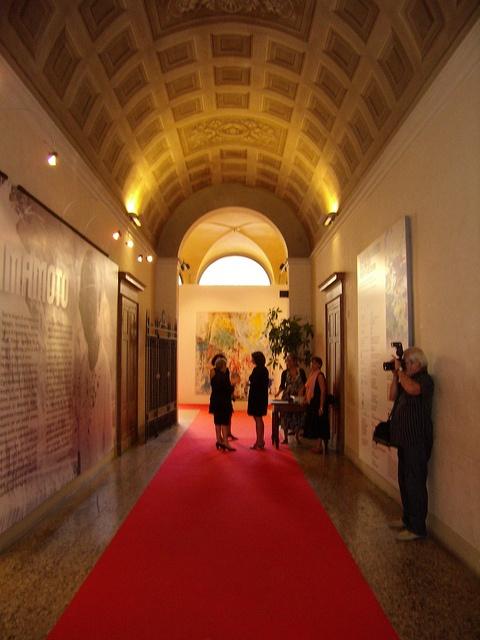 Palazzo Magnani ingresso, via Flickr. #InvasioniDigitali domenica 21 aprile alle 17.30 Invasore: Miportovia