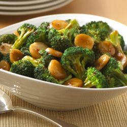 Salteado Asiático de Brócoli: Sabrosa receta de brócoli salteado con castañas de agua, salsa teriyaki y un toque de salsa de soya