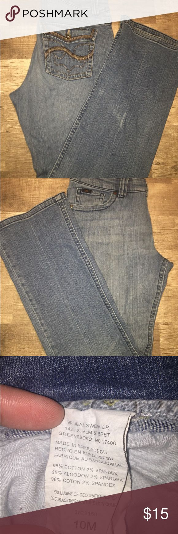 Women's Lee Jeans Size 10 Women's light wash size 10 boot cut Lee jeans. These are in good condition. They come from a smoke free smoke free home. Lee Jeans Boot Cut