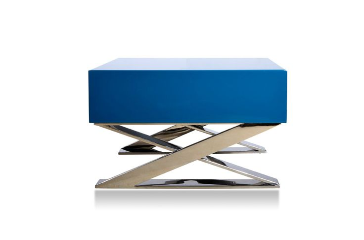 The Modrest Canton Modern Teal Nightstand presents a sassy style and design featuring a cool teal lacquer finish. It has a single built-in commodious drawer with an inside white finish. Requiring some assembly, this up-to-date modern nightstand with a dimension of W20