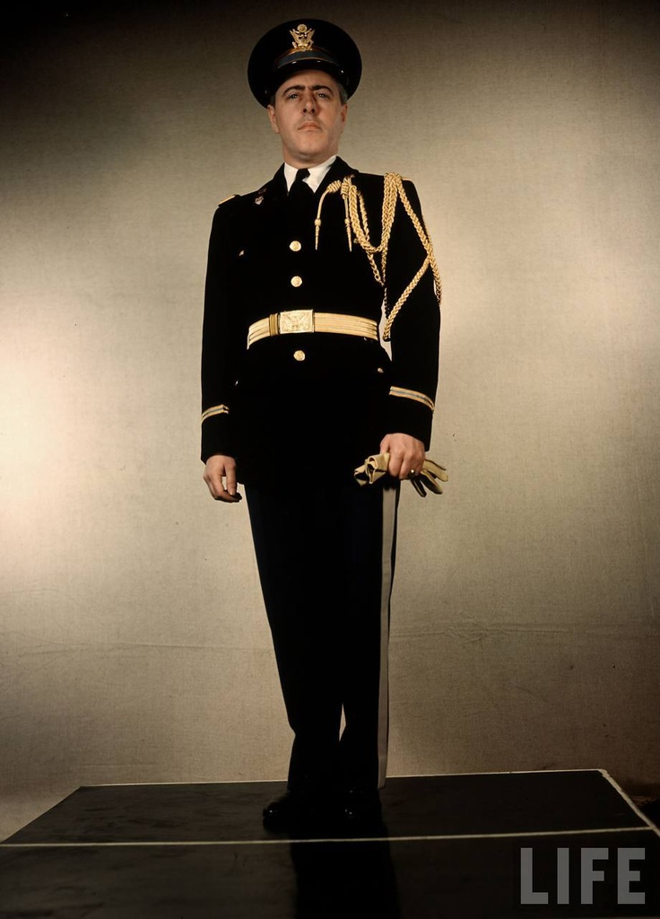 Us Army Officer A Lt General S Aide Wearing Full Dress