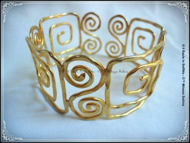 Bracciale in alluminio modellabile dorato antichizzato da avambraccio o polpaccio., by Il Baule In Soffitta, 5,00€ su misshobby.com