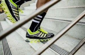 Met de adidas Springblade introduceert adidas vandaag de eerste hardloopschoen met 16 unieke 'blades'. De schoen is geïnspireerd op springplanken en Olympische sporten zoals polsstokspringen.