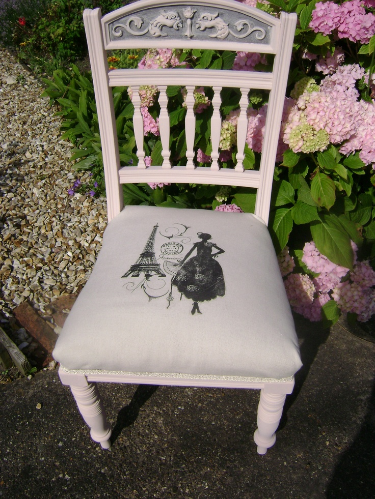Edwardian Chair painted in Autentico Vintage Chalk Paint 'Pink'. The upholstery is an oatmeal linen, with a shabby French style image.