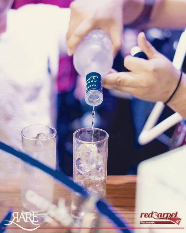 #greygoose #vodka #night #club #clubbing #nightout #nightclub #drinkup #drinks #drink #glow #rnb #Live #music #dj #decks #party #partytime #partyon #friday_night #valaoritou #street #streetstyle #bartender #bar #vodkalovers