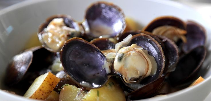 Recipe: Belgian-ish Clams | Food Network Asia