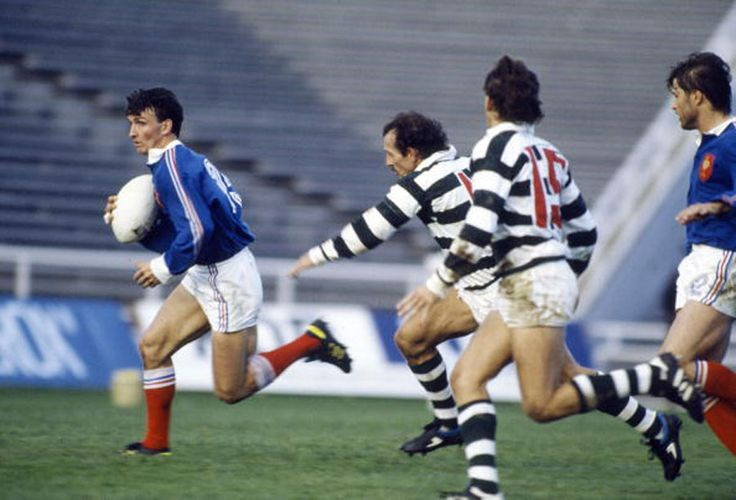 Didier Camberabero on his way to a record 30-point haul, France v Zimbabwe, Rugby World Cup, Auckland, June 2, 1987