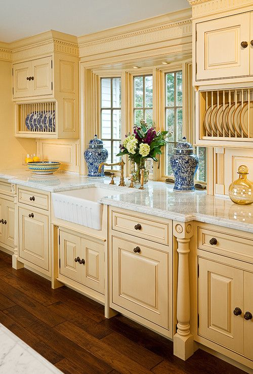 kitchen decor kitchen designs kitchen decorating ideas plate racks and farmhouse sink add style to this traditional kitchen - Beaded Inset Kitchen Decor