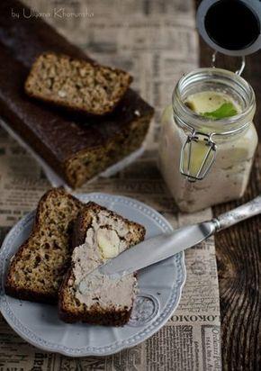 Печеночный паштет от Ники и ореховый хлеб.