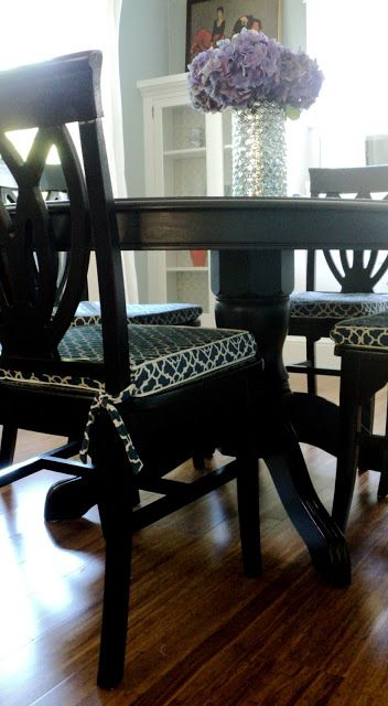 Living in the Rain Garden: Dining Room Chair Cushion Slipcover Tutorial. If only...maybe someday