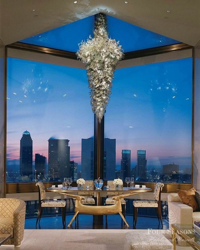 Four Seasons NYC has one of world's most expensive hotel suites.  Ty Warner Penthouse ~$42,000USD/night