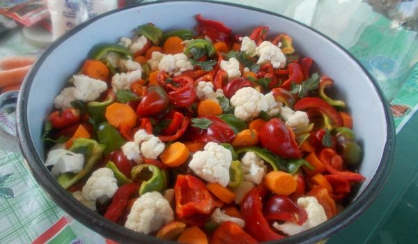 Камби, моркови и карфиол в 3-литрови буркани