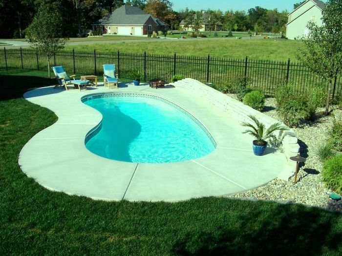 Small Inground Pool Ideas small inground pool designs awesome backyard landscaping Astonishing Small Inground Pool Httprilanecomoutdoor10 Awesome Swimming Pools For Small Backyards Outdoor Decorating Pinterest Small Inground