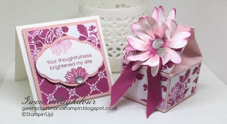 Fresh floral in Berry Burst, gift box and card