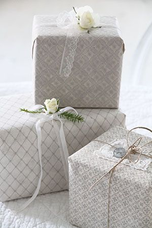 .pretty wrapping suitable for wedding gifts