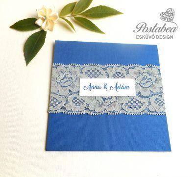 kék esküvői meghívó csipkével