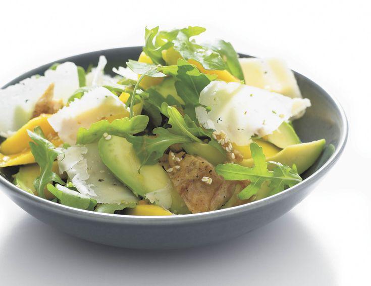 Kyckling- och mangosallad med Västerbottensost