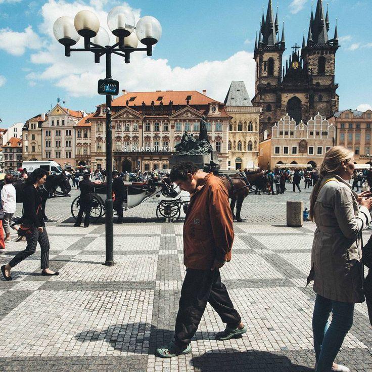 """""""Mi piace"""": 19, commenti: 2 - Eugenio Marongiu photographer (@eugeniomarongiu) su Instagram: """"Questa foto dal mio ultimo viaggio è stata scattata a Praga Maggio scorso. È una città molto…"""""""