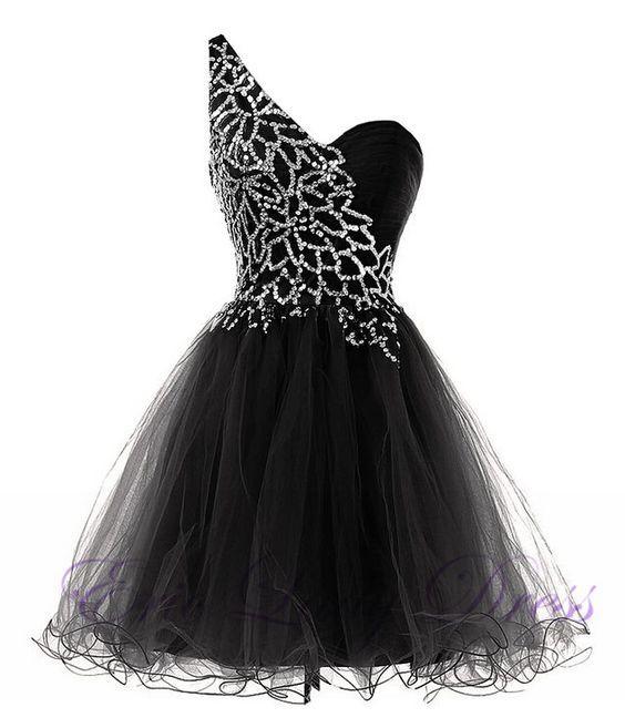 C onder white dress ith black
