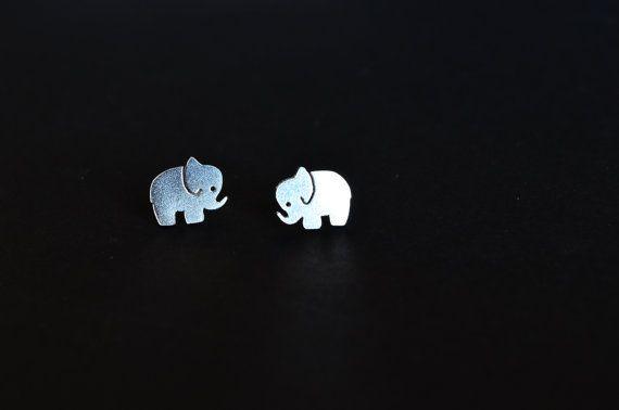 Orecchini elefante a lobo, mini orecchini con elefante in argento 925 fatto a mano leggero,elefantino con proboscide