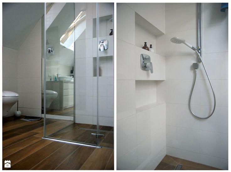 Biała łazienka ze skosem - Łazienka - Styl Nowoczesny -  Magdalena Sobula Pracownia Projektowa Pe2