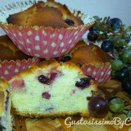 Muffin con uva nera e limoncello
