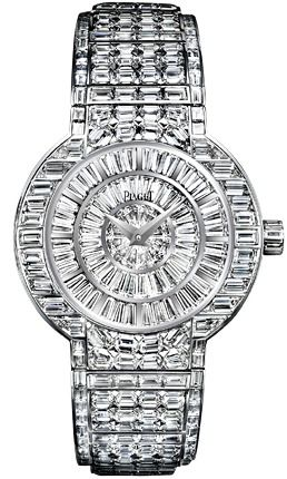 Piaget Polo watch, 38 mm. G0A27018; Self-winding. Baguette-cut diamonds adorned. Original geometry of the design. Dazzling and rhythmic White gold case houses automatic. Case in 18K white gold set with 78 trapeze and baguette-cut diamonds (approx. 8.7 ct). Dial set with 72 trapeze-cut diamonds (approx. 7.1 ct). Crown set with 8 baguette-cut diamonds (approx. 0.4 ct). Bracelet in 18K white gold set with 340 baguette-cut diamonds (approx. 34.7 ct). Piaget 530P mechanical self-winding movement.