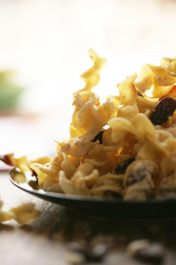 Crunchy Noodle Kugel à la Great-Aunt Martha by Melissa Clark   Photo: Andrew Scrivani for The New York Times