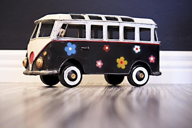 Taiteilijakodissa - Asuntomessublogit  http://www.asuntomessut.fi/blog/ruutupaperilla/