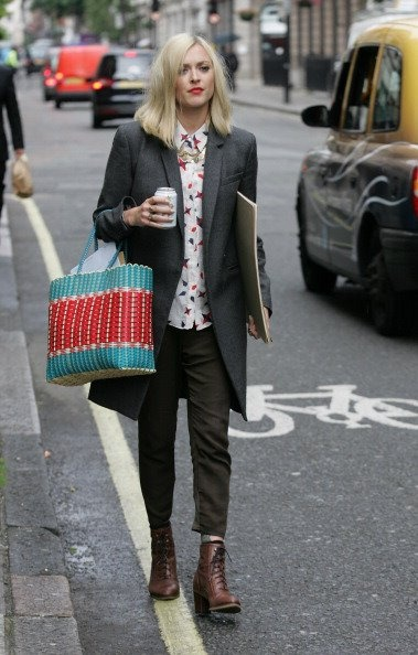 Fearne Cotton. (IN THE Theory BRILIONA FOUR POINTS SHIRT)